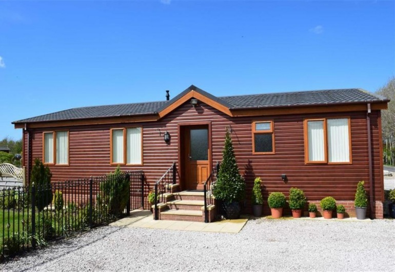 14 Lakeside, 2 Bedroom Lodge £153,500